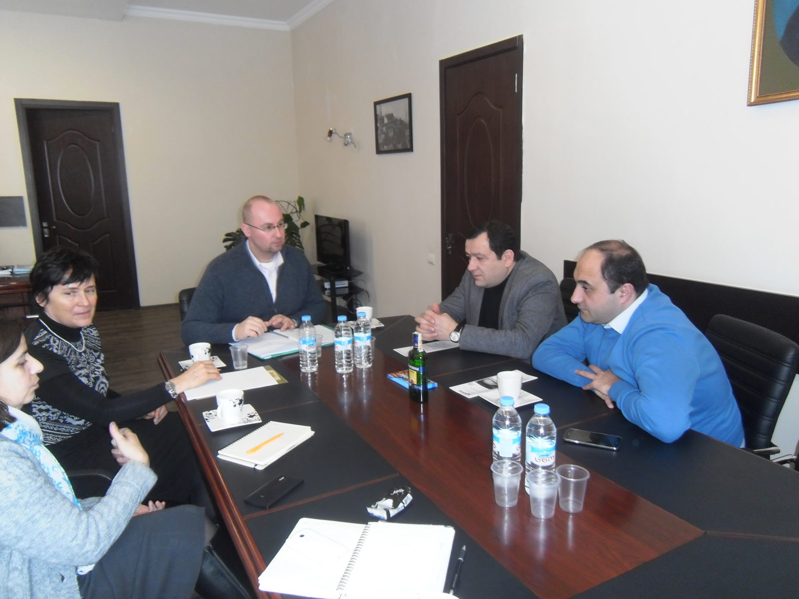 Diskuse se zástupci radnice v Telavi